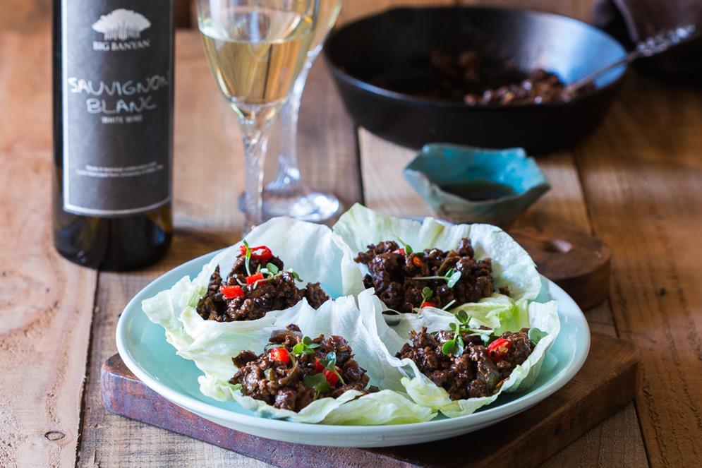 stir-fried-black-bean-chicken-in-lettuce-cups-with-big-banyans-sauvignon-blanc-5