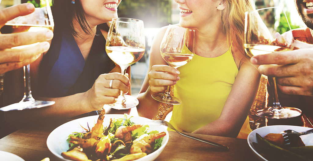 The art of enjoying wines in summers