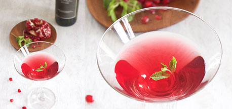 Cranberry and white wine cocktail