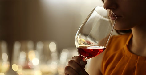 How does wine get its aroma?